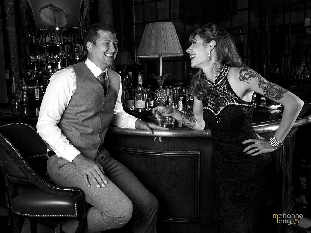 Bar-Dating